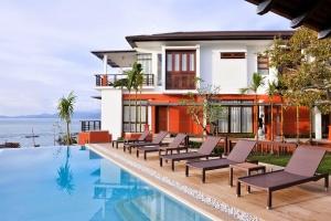 Six Hills Villa