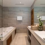 Moonstone_bathroom_2-3