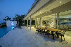 Bayside villa 6. A luxury and private 5 bedroom ocean view villa overlooking Samrong Bay, Koh Samui, Thailand